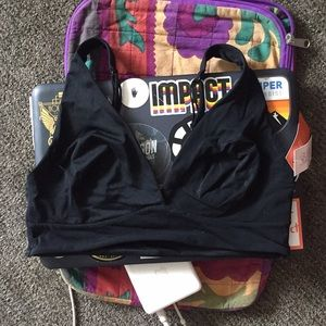 GILLIAN & OMALLEY LOUNGE BRALETTE SIZE M STRETCHY